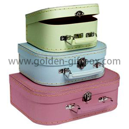 Multi-colour suitcase set with stitching lines and metal handle & lock